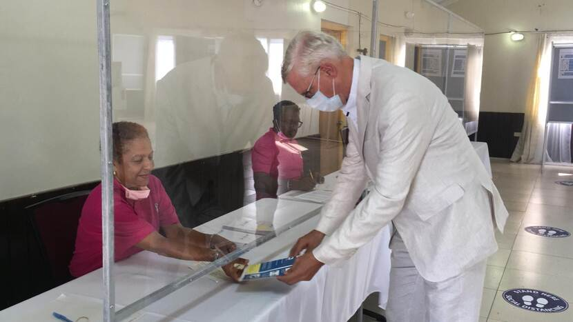 Government Commissioner Marnix van Rij at the polling station St. Eustatius